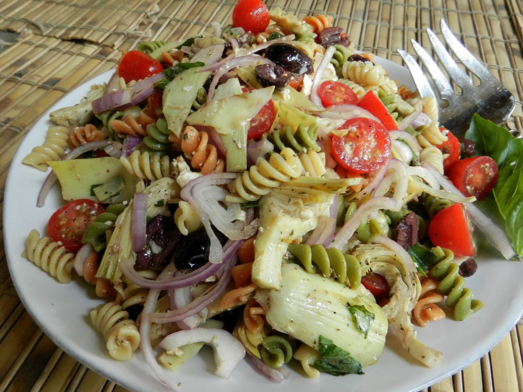 Cold Rotini Pasta Salad With Tomatoes And Artichoke Hearts