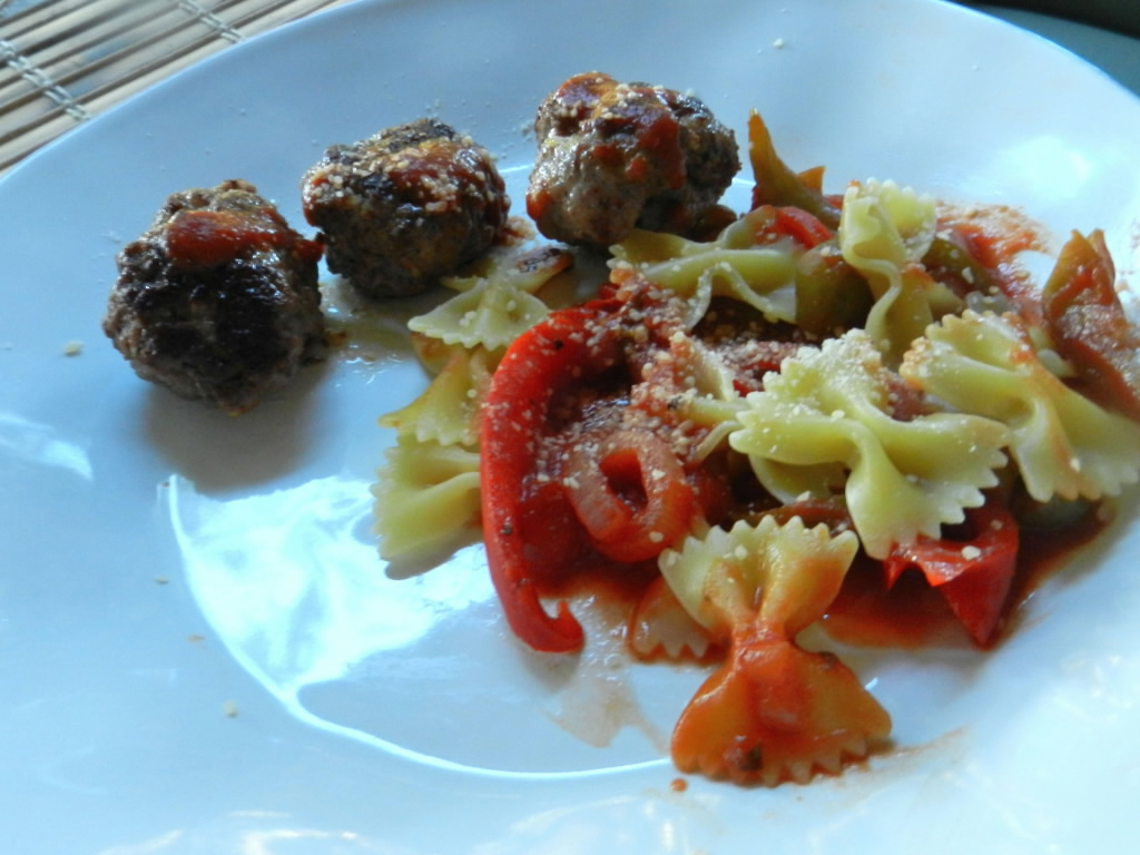 easy bow tie and meatball pasta